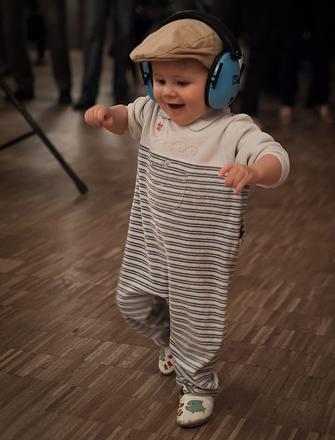 Er det en god idé med klassisk musik til nyfødte og babyer?