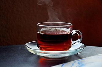 Må babyer og små børn drikke te?